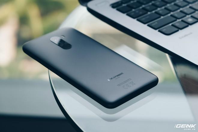 Trên tay Pocophone F1 chính hãng: 7.99 triệu có Snapdragon 845, pin 4000mAh, tai thỏ, camera kép - Ảnh 18.