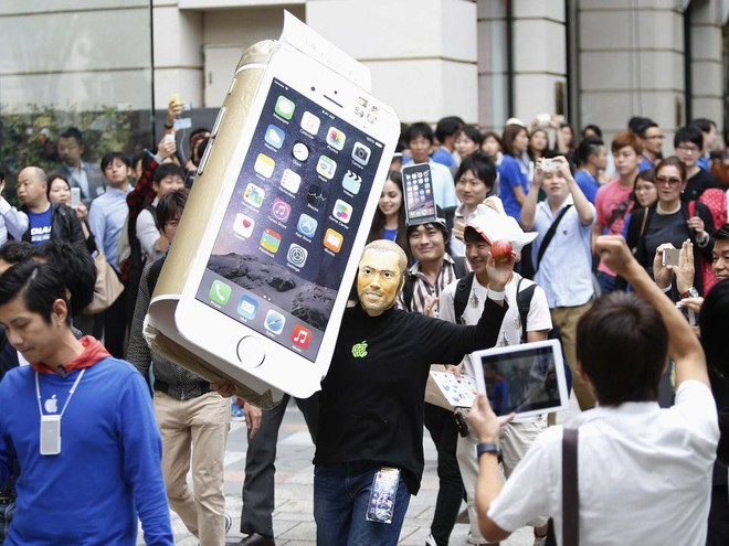 Nokia, BlackBerry, Palm, Microsoft: Đồng loạt chê bai thậm tệ khi iPhone ra mắt để rồi đều chỉ còn là chiếc bóng của chính mình khi Apple đạt giá trị 1.000 tỷ USD - Ảnh 2.