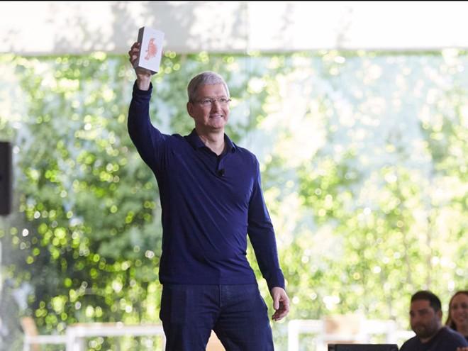 Nokia, BlackBerry, Palm, Microsoft: Đồng loạt chê bai thậm tệ khi iPhone ra mắt để rồi đều chỉ còn là chiếc bóng của chính mình khi Apple đạt giá trị 1.000 tỷ USD - Ảnh 11.