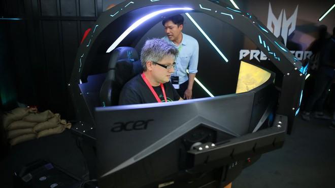 [IFA 2018] Acer ra mắt ghế gaming Predator Thronos với thiết kế cực ngầu - Ảnh 2.