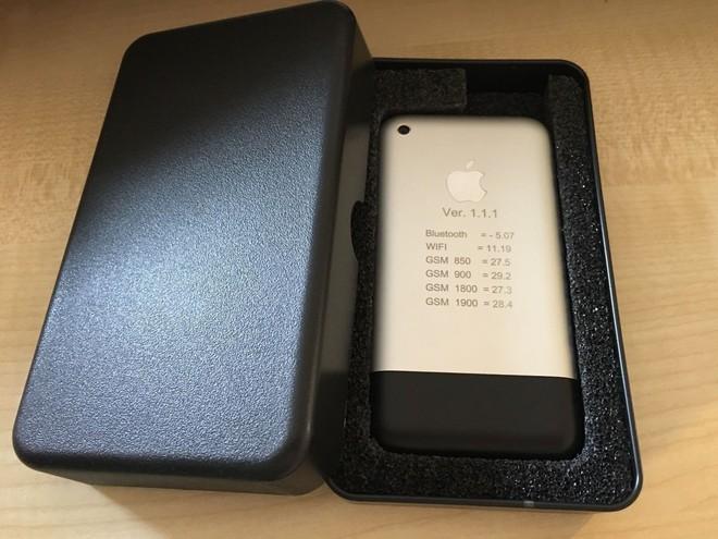 Một chiếc iPhone nguyên mẫu sản xuất thủ công tại Cupertino, chạy OS X, vẫn hoạt động tốt đang được đấu giá trên eBay - Ảnh 3.