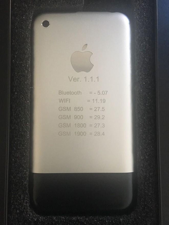 Một chiếc iPhone nguyên mẫu sản xuất thủ công tại Cupertino, chạy OS X, vẫn hoạt động tốt đang được đấu giá trên eBay - Ảnh 8.