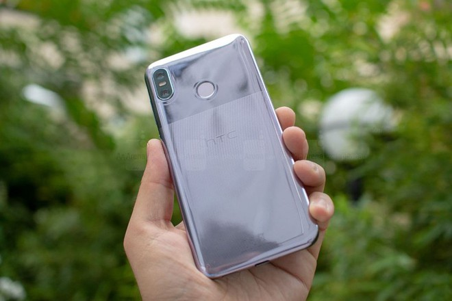 [IFA 2018] HTC U12 Life ra mắt: Mặt lưng 2 tông màu, Snapdragon 636, có jack cắm tai nghe, pin 3600mAh, giá từ 9.5 triệu - Ảnh 1.