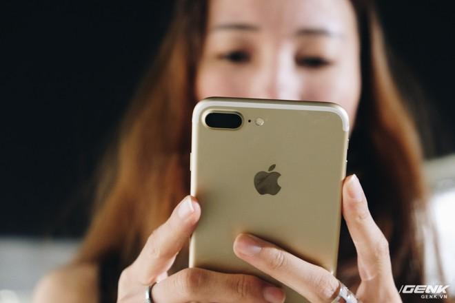 Bỏ SIM ghép dùng như quốc tế, iPhone Lock quay đầu tăng giá - Ảnh 1.