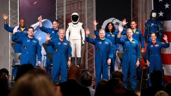 NASA tuyên bố đội ngũ phi hành gia sẽ bay cùng SpaceX và Boeing lên trạm vũ trụ ISS, khởi đầu cho kỉ nguyên vũ trụ mới - Ảnh 3.