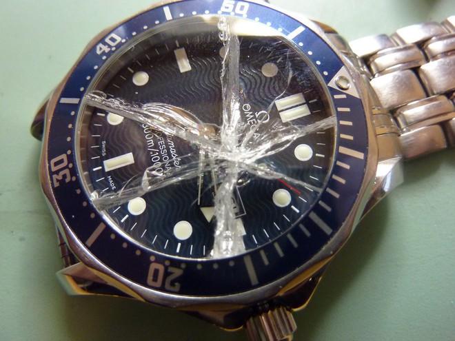 Vì sao đàn ông trên thế giới đang thi nhau đeo đồng hồ hỏng? - Ảnh 2.
