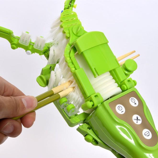 Chiêm ngưỡng máy rửa bát cầm tay 1 triệu 8 của Nhật: Vừa to vừa nặng, tự làm lấy còn nhanh hơn - Ảnh 9.