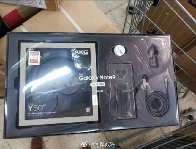 Lộ diện bộ quà khủng Samsung tặng cho khách đặt sớm Galaxy Note9, gồm tai nghe AKG 300 USD và cáp HDMI - Ảnh 1.