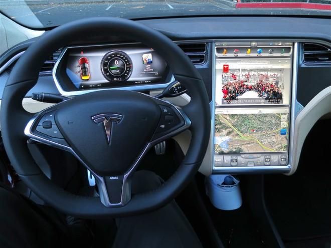 Elon Musk: chip AI dành cho xe hơi của Tesla nhanh gấp 10 lần chip của NVIDIA - Ảnh 1.