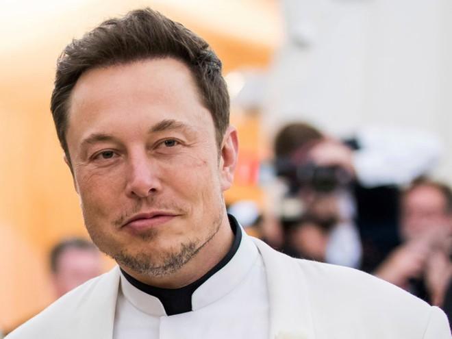 Tỷ phú Elon Musk có ý định mua lại toàn bộ Tesla, biến thành công ty tư nhân có giá trị khoảng 60 tỷ USD - Ảnh 1.