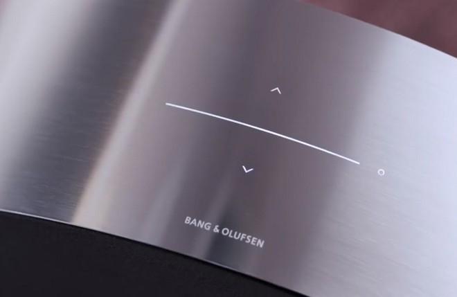 Bang & Olufsen tung mẫu loa Beosound Edge mới, thiết kế hình tròn giống bánh xe, có thể treo tường dễ dàng - Ảnh 3.