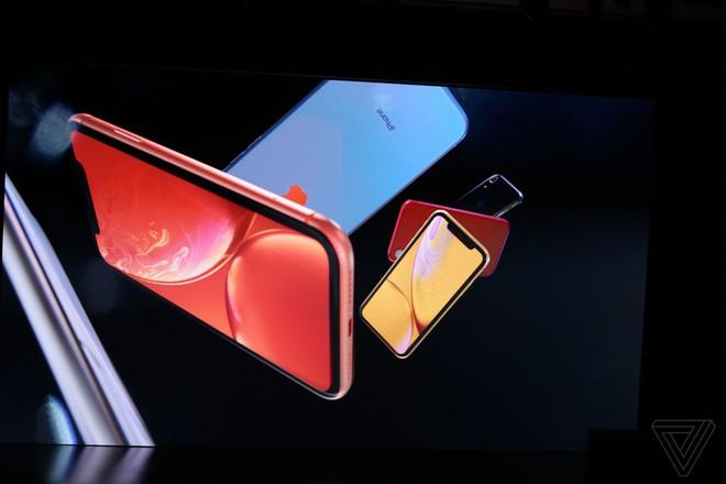 iPhone Xr chính thức ra mắt: Nhiều trang bị giống hệt iPhone Xs, cũng có Face ID, sặc sỡ hơn, giá 749 USD - Ảnh 2.