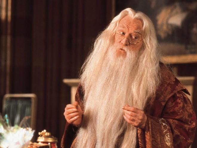 5 nghịch lý khó giải về công nghệ giáo dục ở ngôi trường phù thủy Hogwarts trong Harry Potter - Ảnh 4.