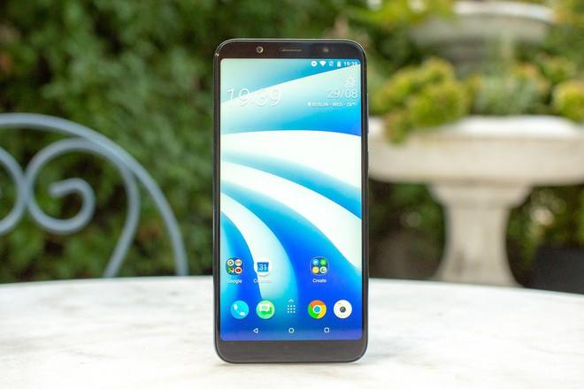 Tại sao chiếc smartphone cao cấp giá rẻ mới của HTC sẽ không thể giúp công ty tái sinh? - Ảnh 2.