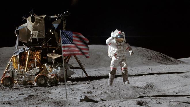 Vừa ra mắt, bộ phim tiểu sử Neil Armstrong hứng gạch vì thiếu cảnh cắm cờ - Ảnh 3.