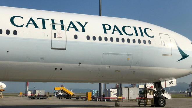 Logo trên máy bay của Cathay Pacific thiếu mất chữ F, phải sơn lại mất vài nghìn USD - Ảnh 1.