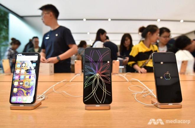 Fanboy Apple từ Việt Nam xếp hàng 24 tiếng để mua iPhone XS lên báo nước ngoài: Mình không thấy mệt tí gì cả! - Ảnh 5.