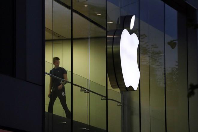 Chuyện ít ai biết: Apple Store gặp lỗi hệ thống trong ngày mở bán, khách hàng đặt trước được khuyên hủy đơn hàng - Ảnh 1.