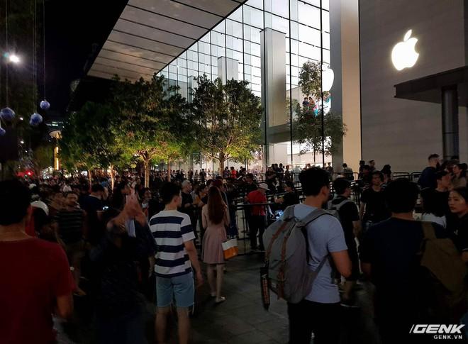 Người Việt cuồng đồ Apple, nhưng Apple chẳng quan tâm gì đến Việt Nam - Ảnh 1.