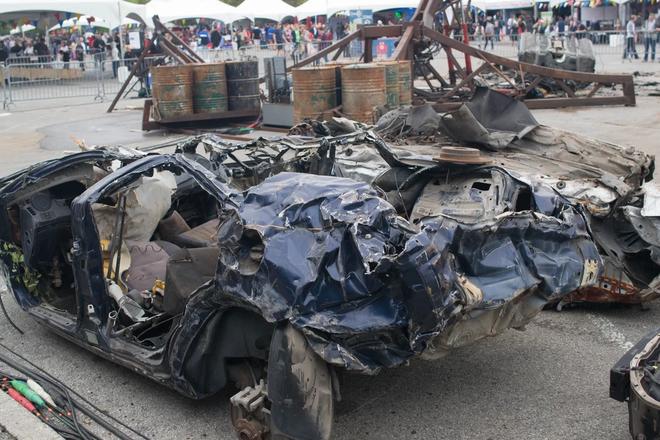 Những thứ đồ hay ho nhất hội chợ đồ tự chế DIY: từ cánh tay robot khổng lồ nghiền nát ô tô, tới thiết bị sạc pin bằng cách đi bộ - Ảnh 4.