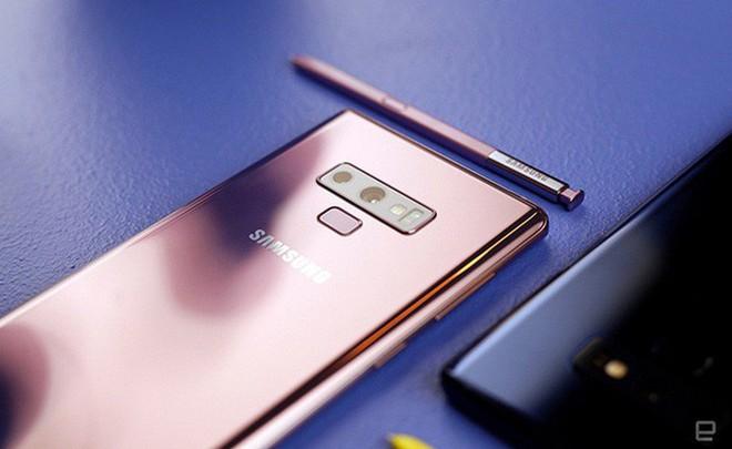 Sức ép cạnh tranh quá lớn đã buộc Samsung phải đưa công nghệ mới nhất lên dòng tầm trung - Ảnh 2.