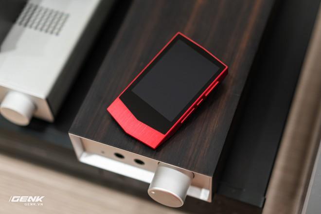 Đập hộp máy nghe nhạc Cowon Plenue V: Thiết kế hơi dị, nhạc nặng 1GB vẫn chơi Easy - Ảnh 1.