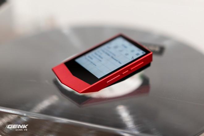 Đập hộp máy nghe nhạc Cowon Plenue V: Thiết kế hơi dị, nhạc nặng 1GB vẫn chơi Easy - Ảnh 7.
