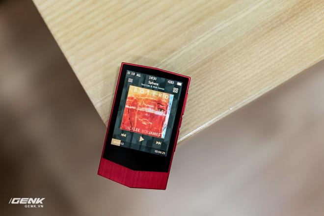Đập hộp máy nghe nhạc Cowon Plenue V: Thiết kế hơi dị, nhạc nặng 1GB vẫn chơi Easy - Ảnh 13.