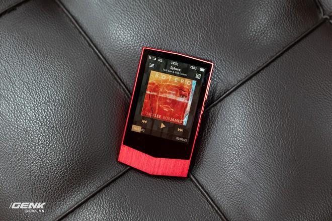 Đập hộp máy nghe nhạc Cowon Plenue V: Thiết kế hơi dị, nhạc nặng 1GB vẫn chơi Easy - Ảnh 5.