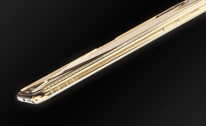 Caviar ra mắt bộ sưu tập iPhone XS Maximum, mẫu đắt nhất có giá hơn 360 triệu, làm từ 150 gram vàng - Ảnh 2.