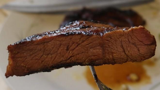 Thịt bò với thịt lợn khi nấu chín khác gì nhau? Đọc ngay để tự tin hơn khi ăn hàng quán - Ảnh 8.