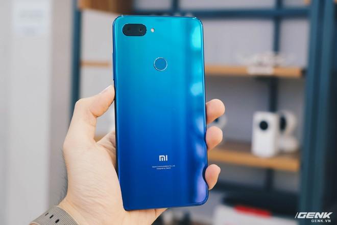 Trên tay Xiaomi Mi 8 Lite giá từ 5 triệu: Đứa con lai của Xiaomi và Huawei, hứa hẹn phá đảo phân khúc tầm trung - Ảnh 6.