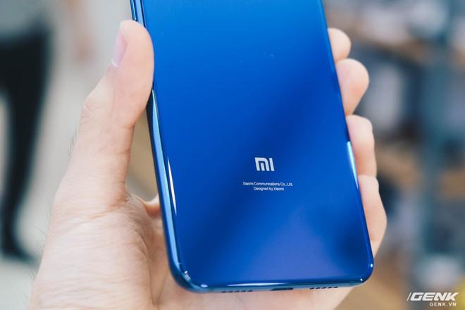 Trên tay Xiaomi Mi 8 Lite giá từ 5 triệu: Đứa con lai của Xiaomi và Huawei, hứa hẹn phá đảo phân khúc tầm trung - Ảnh 7.