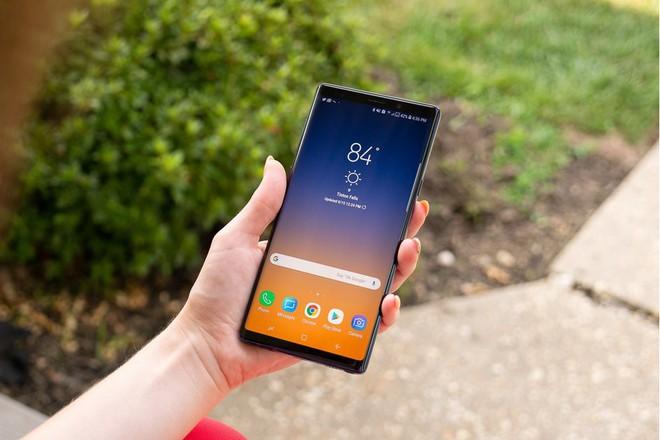 Cuối tháng này, chủ nhân của Galaxy Note 9 sẽ không còn phải khổ sở vì triệu hồi nhầm Bixby nữa - Ảnh 1.