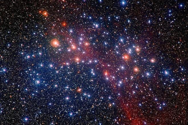 Những vệt sáng xoáy này có thể là dấu vết của một Vũ trụ đã chết, tồn tại trước Vũ trụ mà ta đang biết - Ảnh 1.