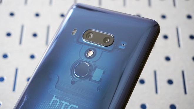 HTC thông báo doanh thu tháng 8/2018 giảm 54% so với cùng kỳ năm ngoái, U12+ gây thất vọng - Ảnh 2.