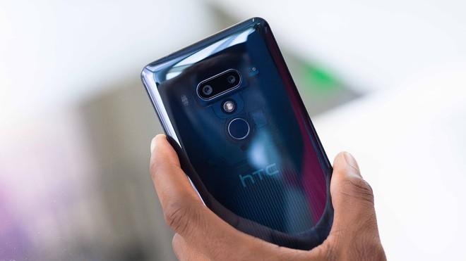 HTC thông báo doanh thu tháng 8/2018 giảm 54% so với cùng kỳ năm ngoái, U12+ gây thất vọng - Ảnh 1.