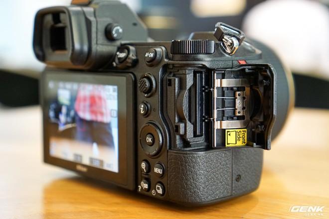 Trên tay nhanh hàng nóng Z7 - Chiếc máy ảnh không gương lật Full-frame đầu tiên của Nikon - Ảnh 11.
