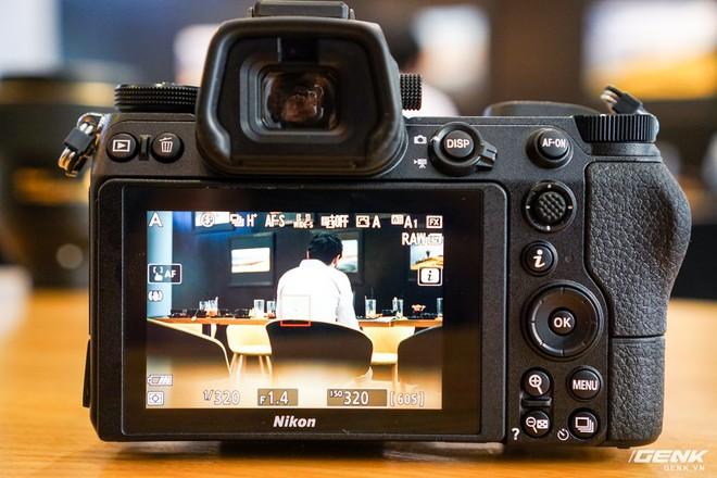 Trên tay nhanh hàng nóng Z7 - Chiếc máy ảnh không gương lật Full-frame đầu tiên của Nikon - Ảnh 12.