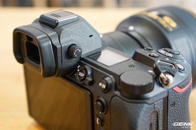 Trên tay nhanh hàng nóng Z7 - Chiếc máy ảnh không gương lật Full-frame đầu tiên của Nikon - Ảnh 10.