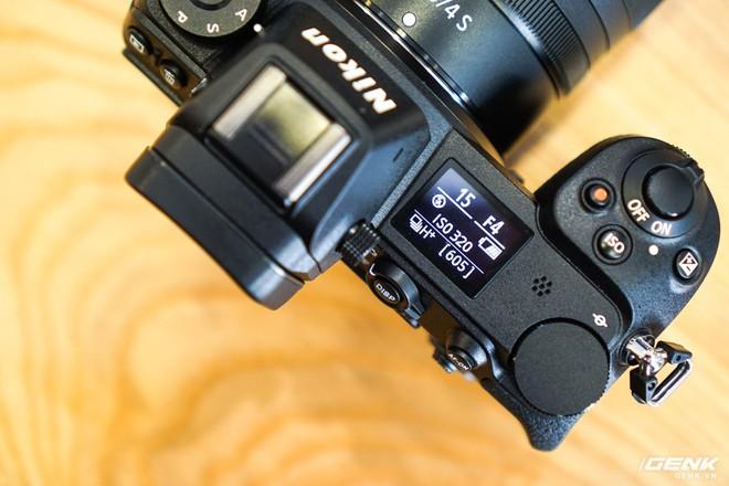 Trên tay nhanh hàng nóng Z7 - Chiếc máy ảnh không gương lật Full-frame đầu tiên của Nikon - Ảnh 9.