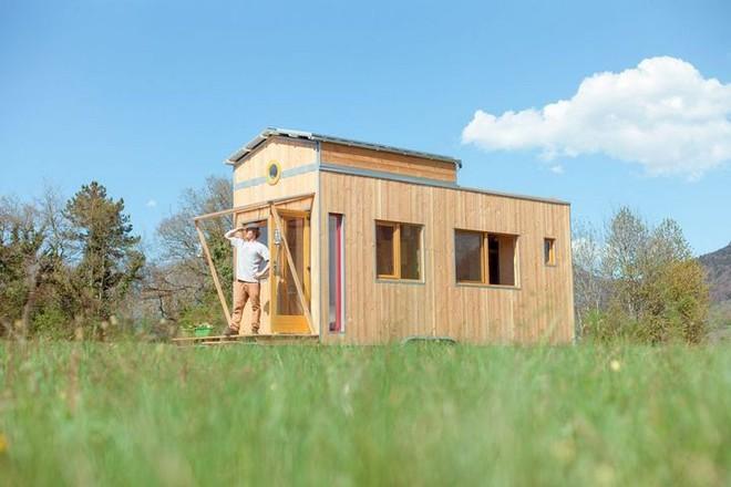 Thiết kế ngôi nhà độc đáo: Khi nóc nhà có thể mở toang và nằm giường ngủ để ngắm sao trời - Ảnh 1.