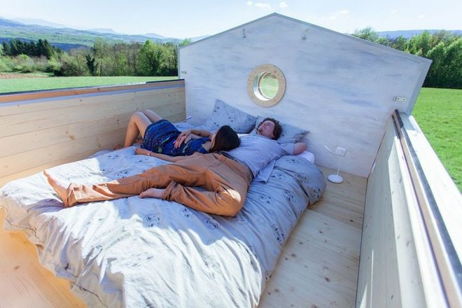 Thiết kế ngôi nhà độc đáo: Khi nóc nhà có thể mở toang và nằm giường ngủ để ngắm sao trời - Ảnh 13.
