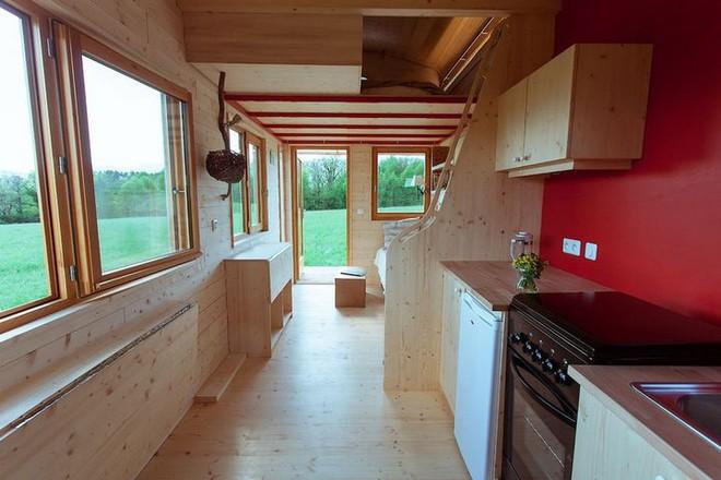 Thiết kế ngôi nhà độc đáo: Khi nóc nhà có thể mở toang và nằm giường ngủ để ngắm sao trời - Ảnh 6.