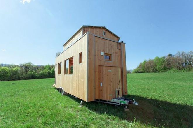 Thiết kế ngôi nhà độc đáo: Khi nóc nhà có thể mở toang và nằm giường ngủ để ngắm sao trời - Ảnh 2.