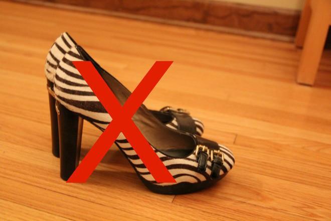 Thị trấn kỳ lạ bậc nhất nước Mỹ: cấm mọi đôi giày cao gót vì một lý do cực kỳ bất ngờ - Ảnh 7.