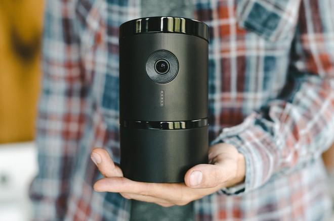 [CES 2018] Camera giám sát thông minh này sẽ quay mặt vào tường khi phát hiện bạn đã về nhà - Ảnh 3.