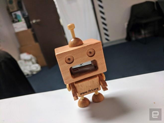 [CES 2018] Robot này có khả năng chơi xếp chữ cực giỏi, chiến thắng cả con người - Ảnh 4.