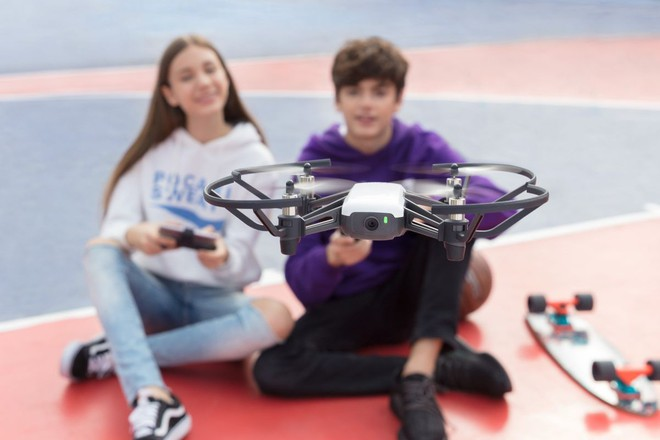 [CES 2018] Chiếc drone nhỏ xinh giá 100 USD này được trang bị những công nghệ tân tiến nhất của Intel và DJI - Ảnh 4.
