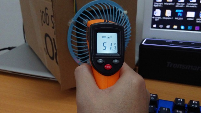 Sau khi bật bóng đèn hồng ngoại được 1 thời gian các bạn có thể tắt đi để tiết kiệm điện. Lúc này nhiệt lượng bên trong 2 tấm nhôm có thể giữ được trong khoảng 15 phút.
